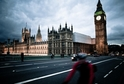 Budova britského parlamentu.