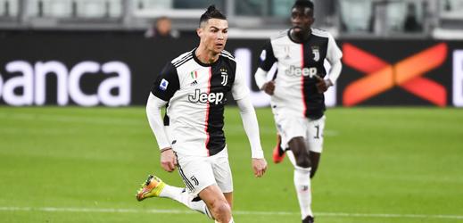 Ronaldo zdravil neviditelné a pobavil internet.