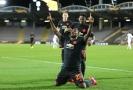 Fotbalisté Manchesteru United slaví gól do sítě Lince.