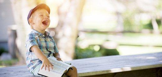 Dětem zdravotníků poputují tisíce knih zdarma. Tady se o ně přihlaste