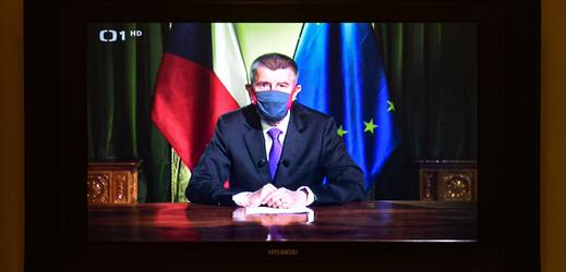 Projev Andreje Babiše přenášený televizí.