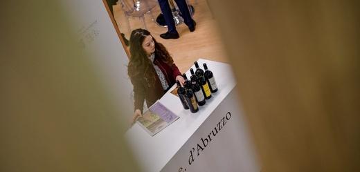Veletrh vína a destilátů ve Veroně se odkládá.