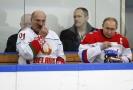 Sport? Nejlepší alternativní medicína, tvrdí běloruský prezident (na snímku vlevo).