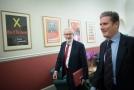 Keir Starmer (vpravo) a Jeremy Corbyn.