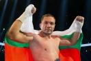 Pulev dá na boj s koronavirem půl výdělku ze zápasu s Joshuou.