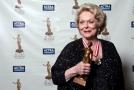 Zemřela herečka Shirley Douglasová.