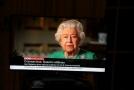 Britská královna Alžběta II. v televizním přenosu projevu.