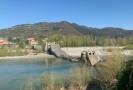 V severní Itálii se zřítil silniční most.