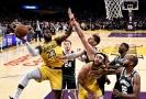 NBA se zapojila do boje proti koronaviru a to hned dvojnásobně.