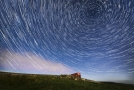 Meteorický roj na časosběrném snímku (ilustrační foto).