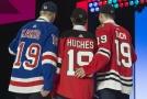 Nejlepší trojka z loňského draftu NHL. Zleva Kaapo Kakko, Jack Hughes a Kirby Dach.