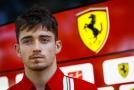 Další triumf Leclerca ve virtuálním závodě zhatila penalizace.
