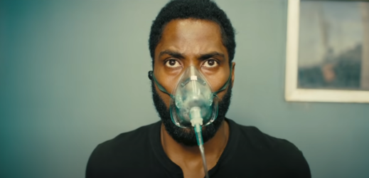 Snímek z traileru na Tenet.