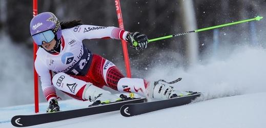 Bývalou skvělou lyžařku Annu Veithovou častokrát trápilo, že souboj o olympijské zlato s Ester Ledeckou prohrála o jedinou setinu sekundy.