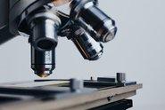 Objev českých vědců pomůže odhalit padělaná léčiva