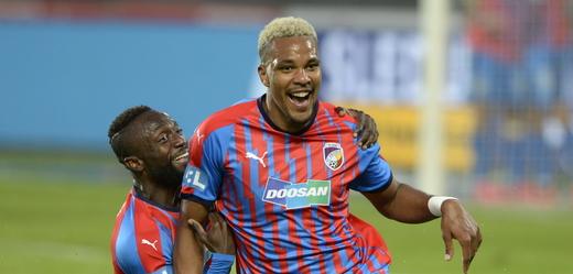 Jean-David Beauguel slaví gól proti Spartě.