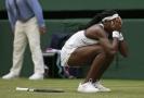Mladičká Gauffová při senzačním tažení Wimbledonem.