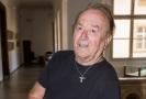 Petr Janda si skoro v osmdesáti pořídil tetování.