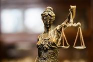 Soud poslal do vězení ženu na 17,5 let za vraždu dítěte