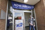 USA: Míra nezaměstnanosti v květnu překavpivě klesla na 13,3 procenta