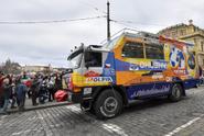 Expedici Tatra kolem světa 2 zadržela íránská policie kvůli dronu, pak členy propustila