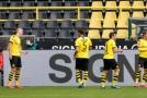 Hráči Dortmundu se radují z gólu ostrostřelce Haalanda.