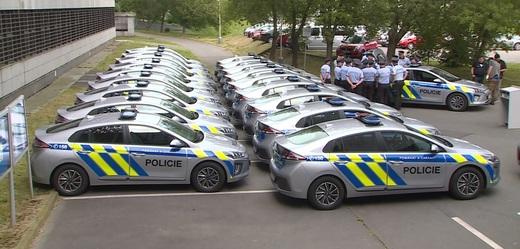 První elektromobily ve službách policistů budou nasazeny v Praze.
