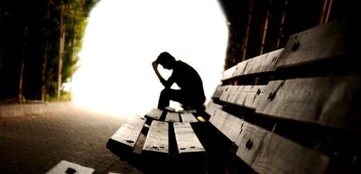 Lidem s depresí může pomoci nová experimentální léčba.