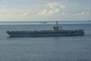Letadlová loď třídy Nimitz.