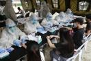 Testování na koronavirus na Filipínách.