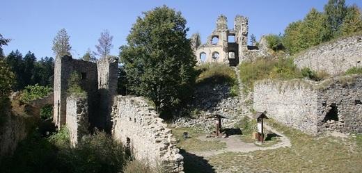 Zřícenina hradu (ilustrační foto).