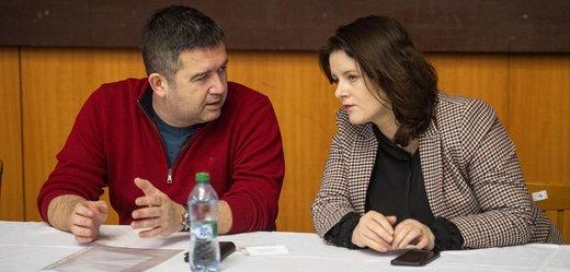 Představitelé ČSSD: Jana Maláčová a Jan Hamáček.