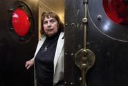 Janoušková patřila k experimentujícím sochařkám 60. let