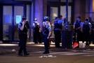 Policie v Chicagu se střetla s rabujícími davy.