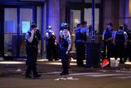 Policie v Chicagu se střetla s rabujícími davy, přes sto lidí zatkla