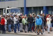 V běloruské automobilce se bouří dělníci, část prý stávkuje