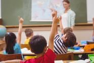 Žáci ve slovenských školách budou muset nosit od září roušky