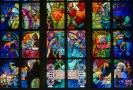 Skleněná okna navržená Alfonsem Muchou, Praha.