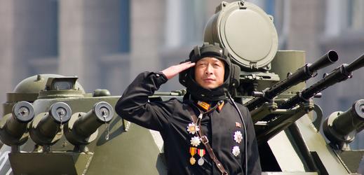 Pchjongjang, vojenská přehlídka.