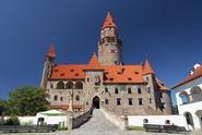 Lidé na návštěvy hradů nezanevřeli, přesto kasteláni kvůli koronaviru počítají ztráty