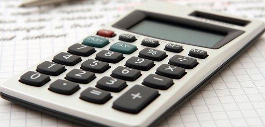 Obchodníci zasažení koronavirem budou moci zaplatit DPH později