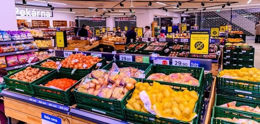 Tesco otevřelo zmodernizovaný obchod v Hradci Králové