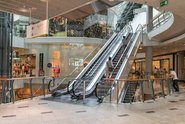 Znovuotevření obchodních center proběhlo ráno v Praze v poklidu