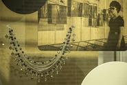 Jablonecká výstava představuje luxusní bižuterii z doby socialismu