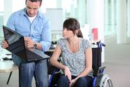Firmy zaměstnávající zdravotně postižené budou mít nárok na příspěvek