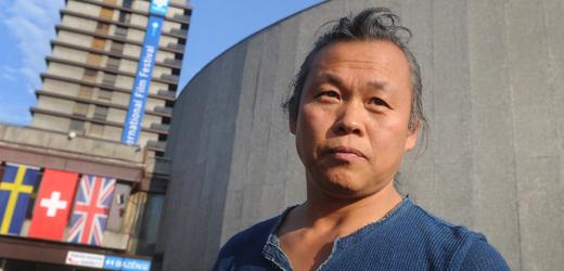 Jihokorejský režisér Kim Ki-duk při návštěvě Karlových Varů.