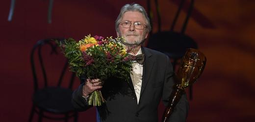 Zemřel herec a dabér Ladislav Mrkvička, bylo mu 81 let.