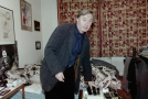 Jiří Lábus si média pozval do bytu, kde ani nebylo poklizeno.