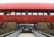 Masarykova univerzita chce zrychlit očkování, jinak se bojí o zimní semestr