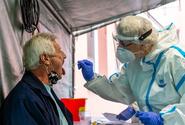 Ostravská laboratoř může odebírat vzorky covidu-19 ze slin